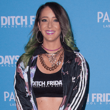 YouTuber Jenna Marbles Net Worth – Earnings and Annual Income From YouTube