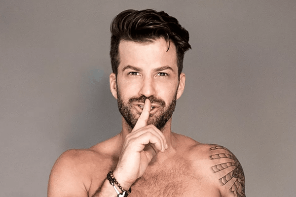 1st Look new host, Johnny Bananas
