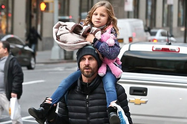Bethenny Frankel's daughter Bryn Hoppy with her father.