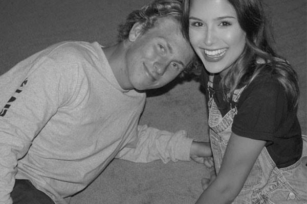 Lyon Farrell and Eliza Scanlen dating