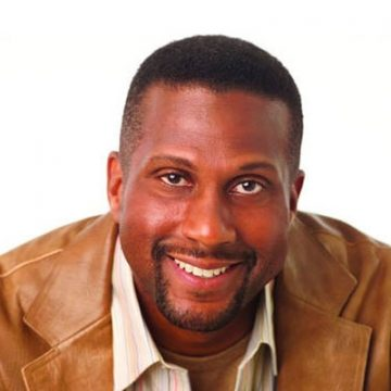 Fired PBS Host Tavis Smiley Net Worth – Salary , Earnings and Multi Million Contract