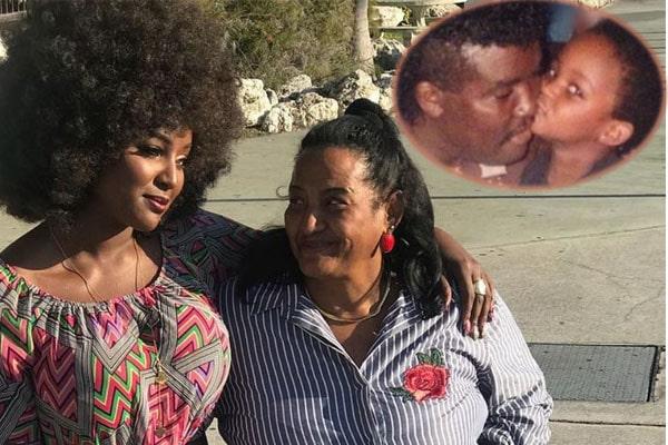 Amara La Negra and her parents.