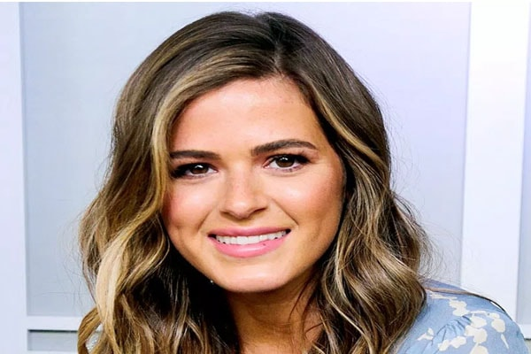 JoJo Fletcher's net worth and earnings.