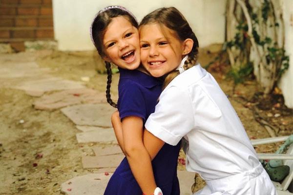 Birdie Leigh Silverstein with sister Cricket Pearl Silverstein