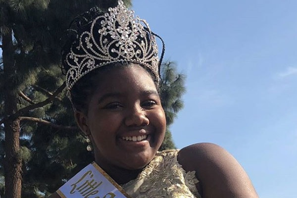 Daughter of Erica Campbell, Krista Nicole Campbell with her tiara