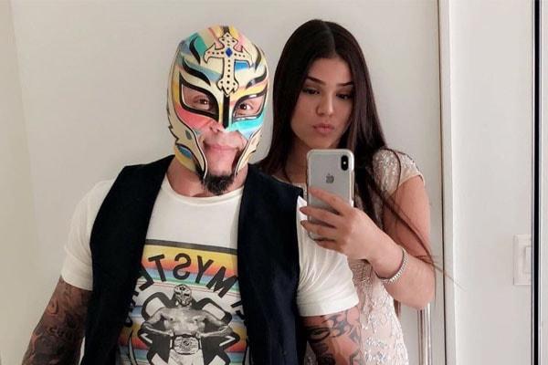 Aalyah Gutierrez with father, Rey Mysterio