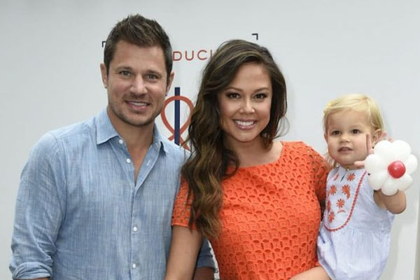 Nick Lachey with his daughter Brooklyn Elisabeth and wife Vanessa Lachey