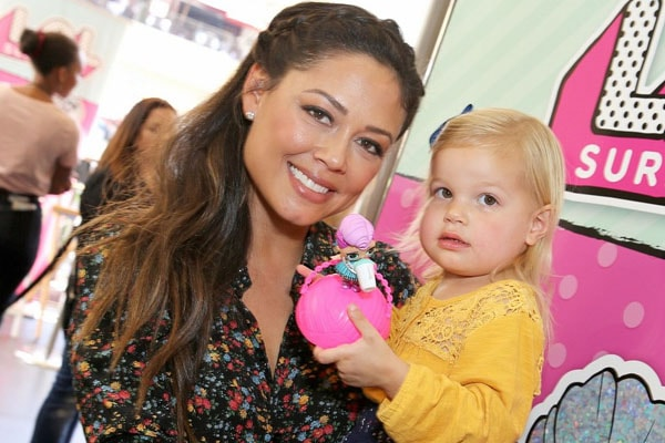 Brooklyn Elisabeth Lachey and Vanessa Lachey, daughter and wife of Nick Lachey