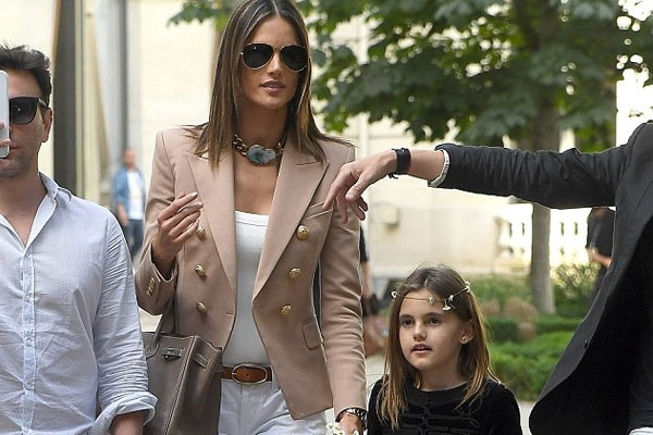 Anja Louise with mother Alessandra