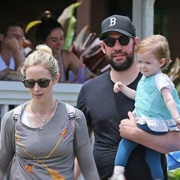 Meet Violet Krasinski – Photos of John Krasinski's Daughter with Wife Emily Blunt