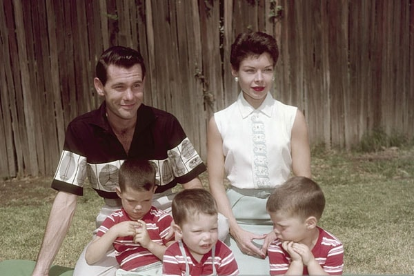 Johnny Carson with his sons Cory Carson, Richard Carson and Christopher Carson, and wife Jody Carson