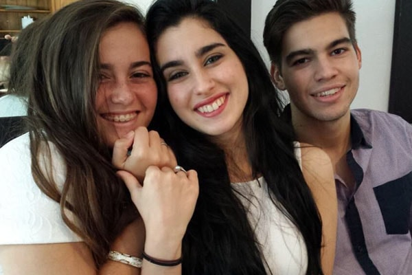 Lauren Jauregui with brother Chris Jauregui and sister Taylor Jauregui