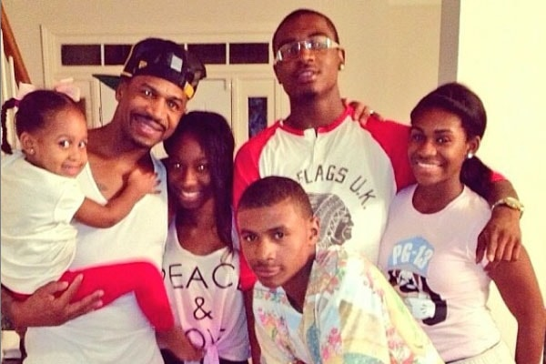 Stevie J with his children