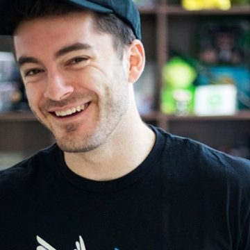 CaptainSparklez Net Worth- Earning From YouTube, Merchandise and Gaming Company