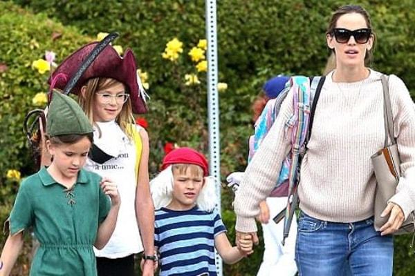 Jennifer Garner and her children