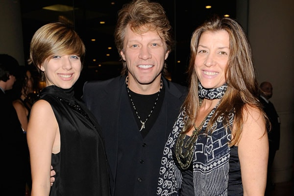 Jon Bovi and his wife Dorothea Hurley with their daughter Stephanie