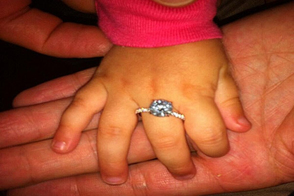 Linda Cardellini and Steven Rodriguez engagement