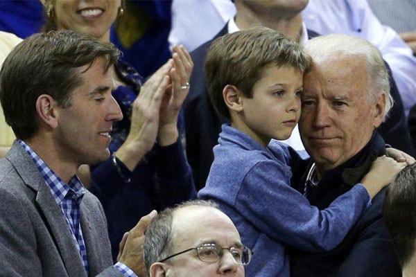 Robert Hunter BidenII' with his father Beau Biden and grandfather Joe Biden.