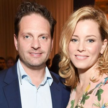 Meet Magnus Mitchell Handelman and Felix Handelman – Elizabeth Banks' Kids With Husband Max Handleman