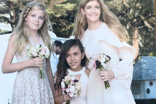 Eloise Joni and her sisters