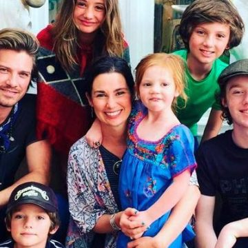 Did You Know Taylor Hanson Is A Father Of Six Children?