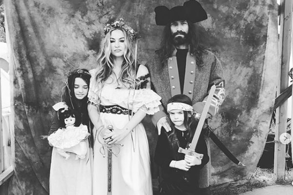 Drea De Matteo with his family including her son Waylon Albert Jennings