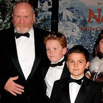 Meet Findlay Cosmo and Ethan Cosmo – Photos Of James Cosmo's Son With Wife Annie Harris