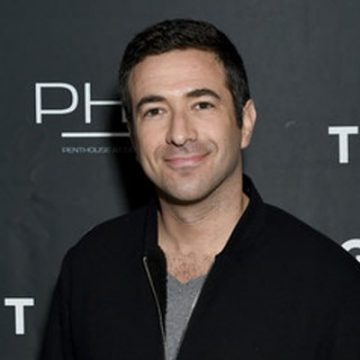 Why are Young Woman Head Over Heels for MSNBC's Ari Melber? Is It His Ability To Mix Rap And Politics In His Show?