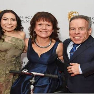 Meet Annabelle Davis – Photos Of Warwick Davis' Daughter With Wife Samantha Davis