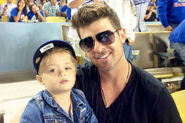 Julian Fuego and father Robin Thicke