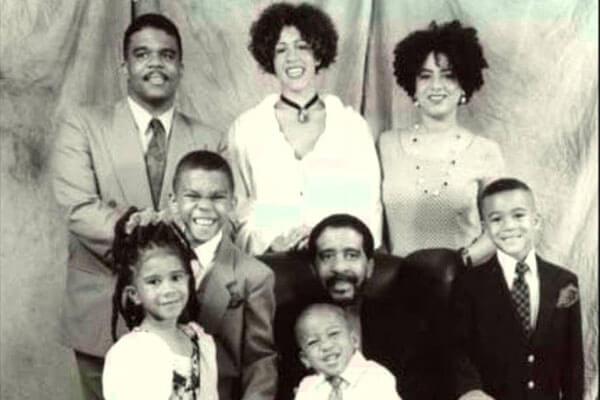 Kelsey's father Richard Pryor's family