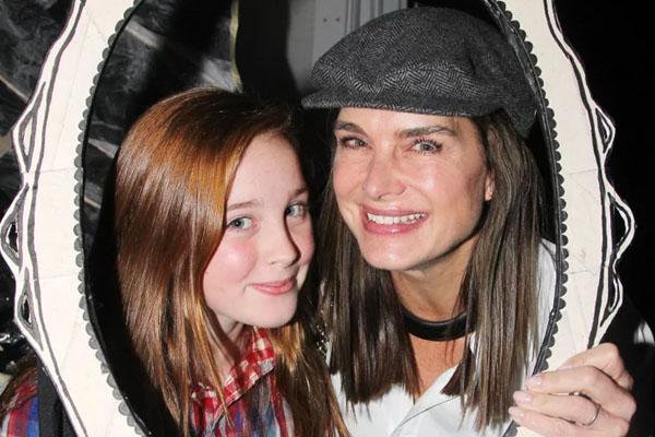 Rowan Henchy with mother Brooke Shields