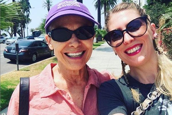 Valerie Harper and Cristina Cacciotti