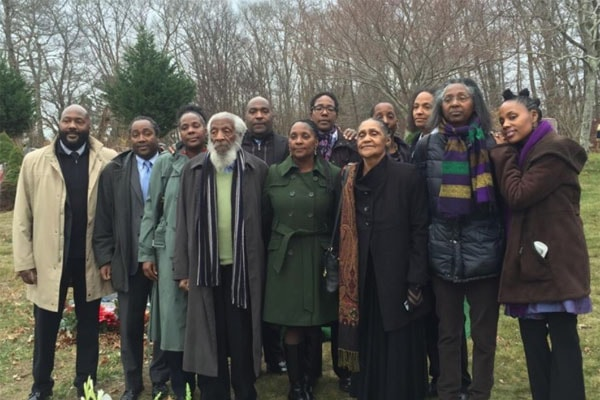Dick Gregory family including his children