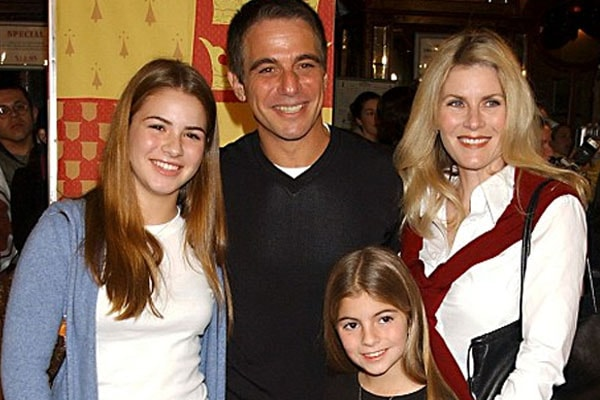 Katherine and Emily with their parents on the premier of Harry potter
