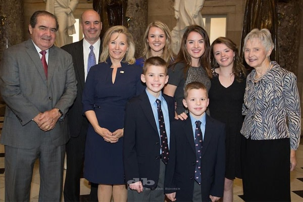 Did You Know Dick Cheney's Daughter Liz Cheney Is A Mother ...