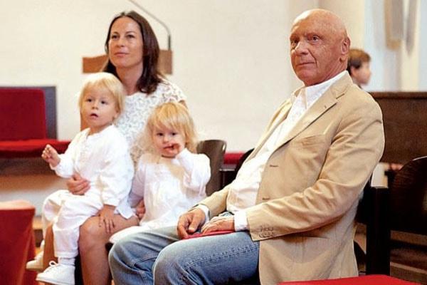 Birgit and Niki with twins Max and Mia Lauda1