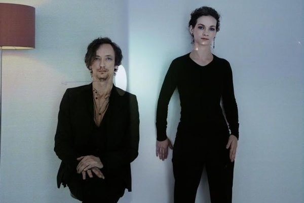 Zelda and Nadia are the daughters of Hauschka and Hilary Hahn.