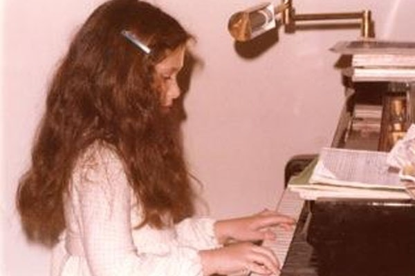 Navah perlman is a classical pianist.