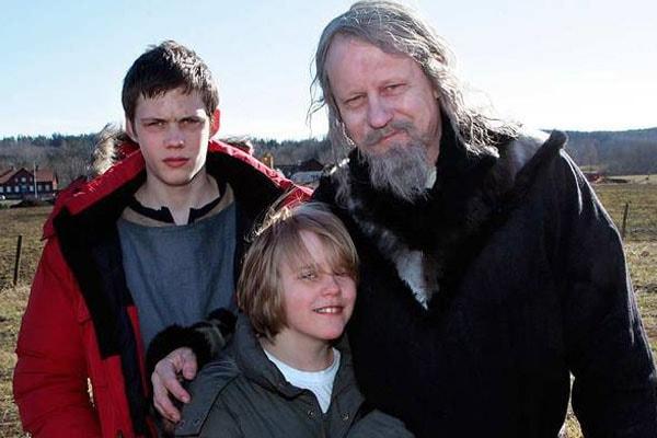 Valter Skarsgård is the son of legendary actor Stellan Skarsgård and his ex-wife My Skarsgård.