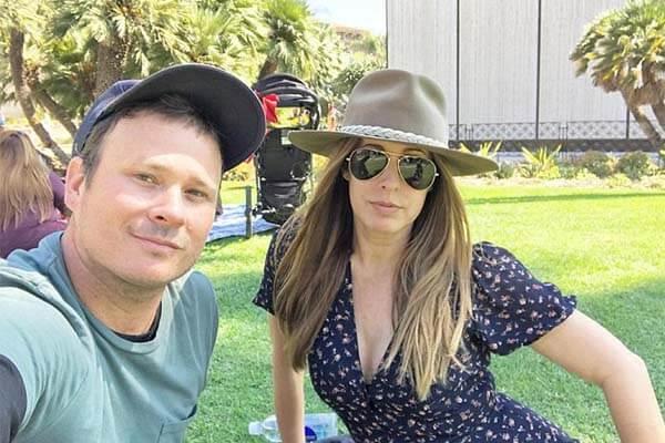 Tom DeLonge and Jennifer DeLonge