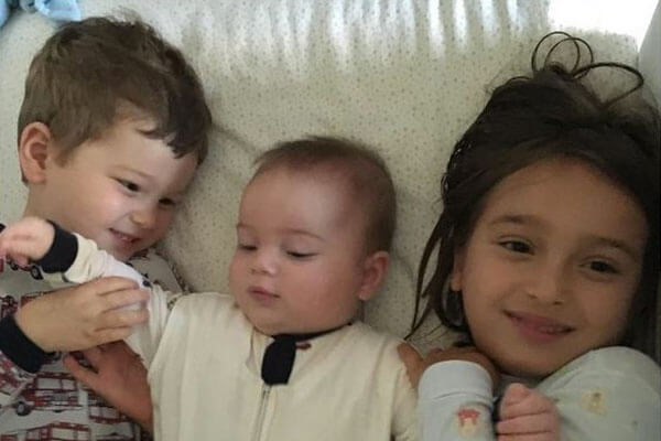 Arabella Rose Kushner's siblings