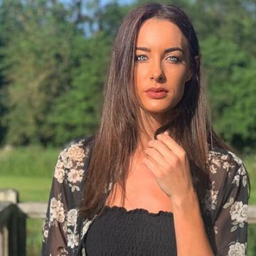 YouTuber Emily Hartridge's Boyfriend Jacob Gave Her The Reasons Why Getting Younger Boyfriend is Great