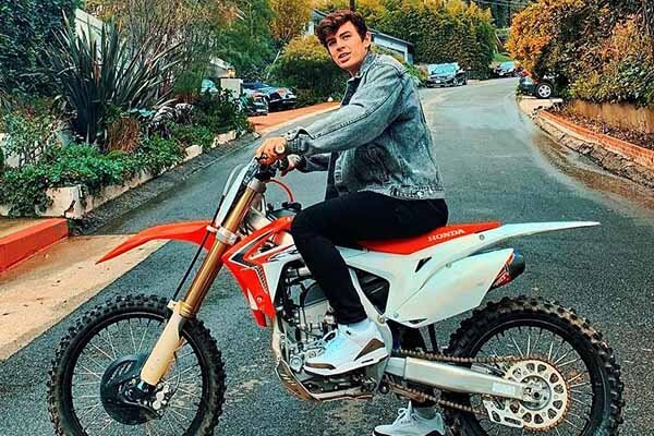 Hayes Grier's net worth