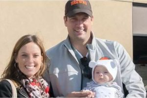 Tim Ryan and wife with son