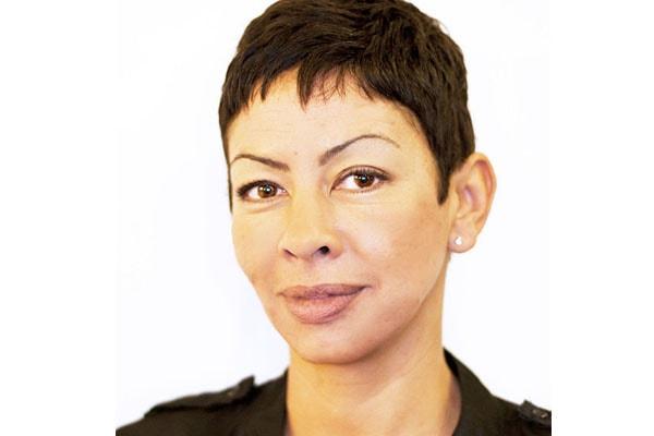 Wanda Hutchins' career interior designer
