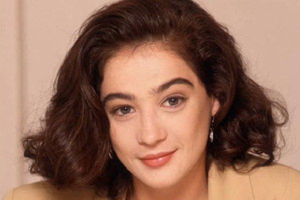Actress Moira Kelly's daughter Ella Hewitt