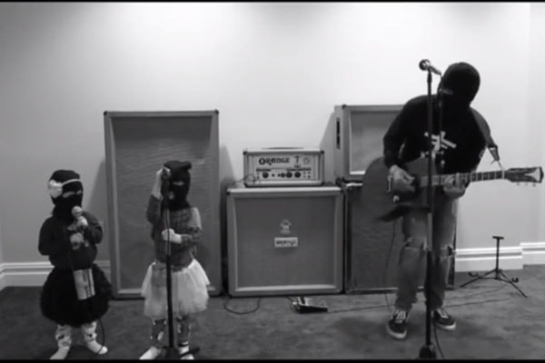 Frank Iero's twin daughters, Lily Iero and Cherry Iero