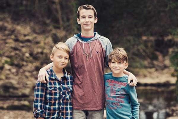 Evan Bass' sons