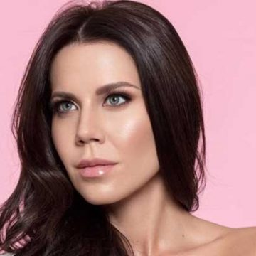 Tati Westbrook Net Worth – Earnings As A YouTuber, Make-up Artist And Merch